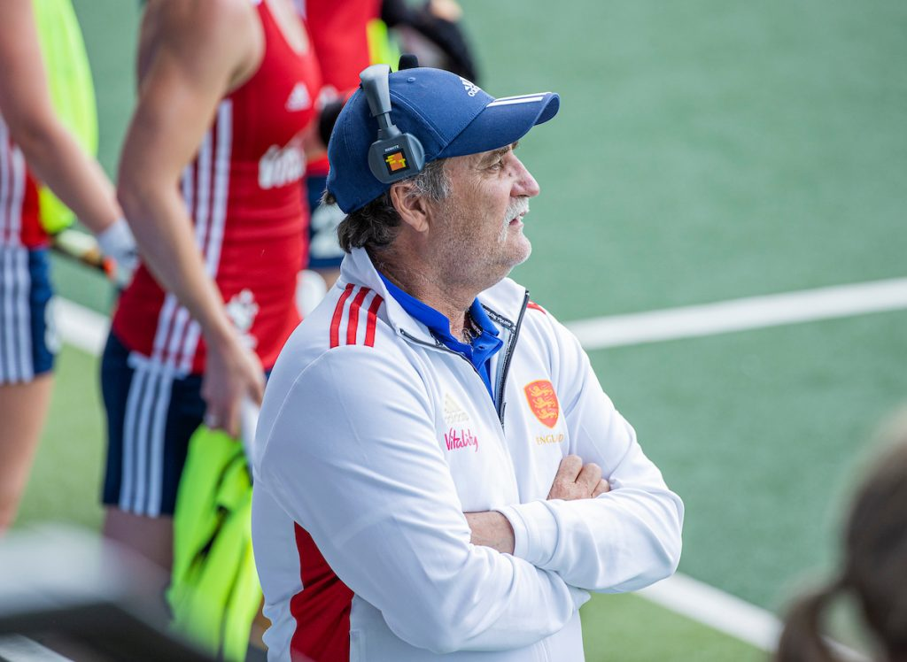 Hager resigns as Head Coach of GB & England Women